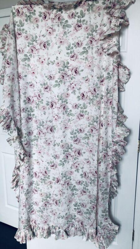 Beautiful Rachel Ashwell Shabby Chic Rosalie Ruffled Tablecloth
