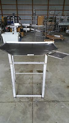 Triangle Slanted Stainless Steel Table Item7151