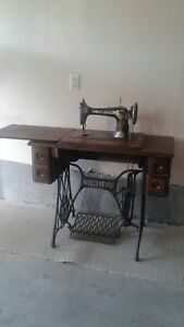 Antique Singer Sewing Machine—$200 OBO