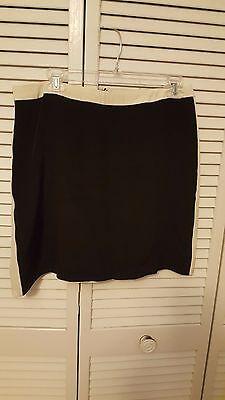 (Willi Smith 100% Silk Skirt Black w/white Stripe on sides Sz 10)