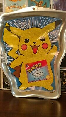 Vintage Wilton Pikachu, Sports Ball Pokeball Pokemon Cake Pan  (Pokemon Cake Pan)