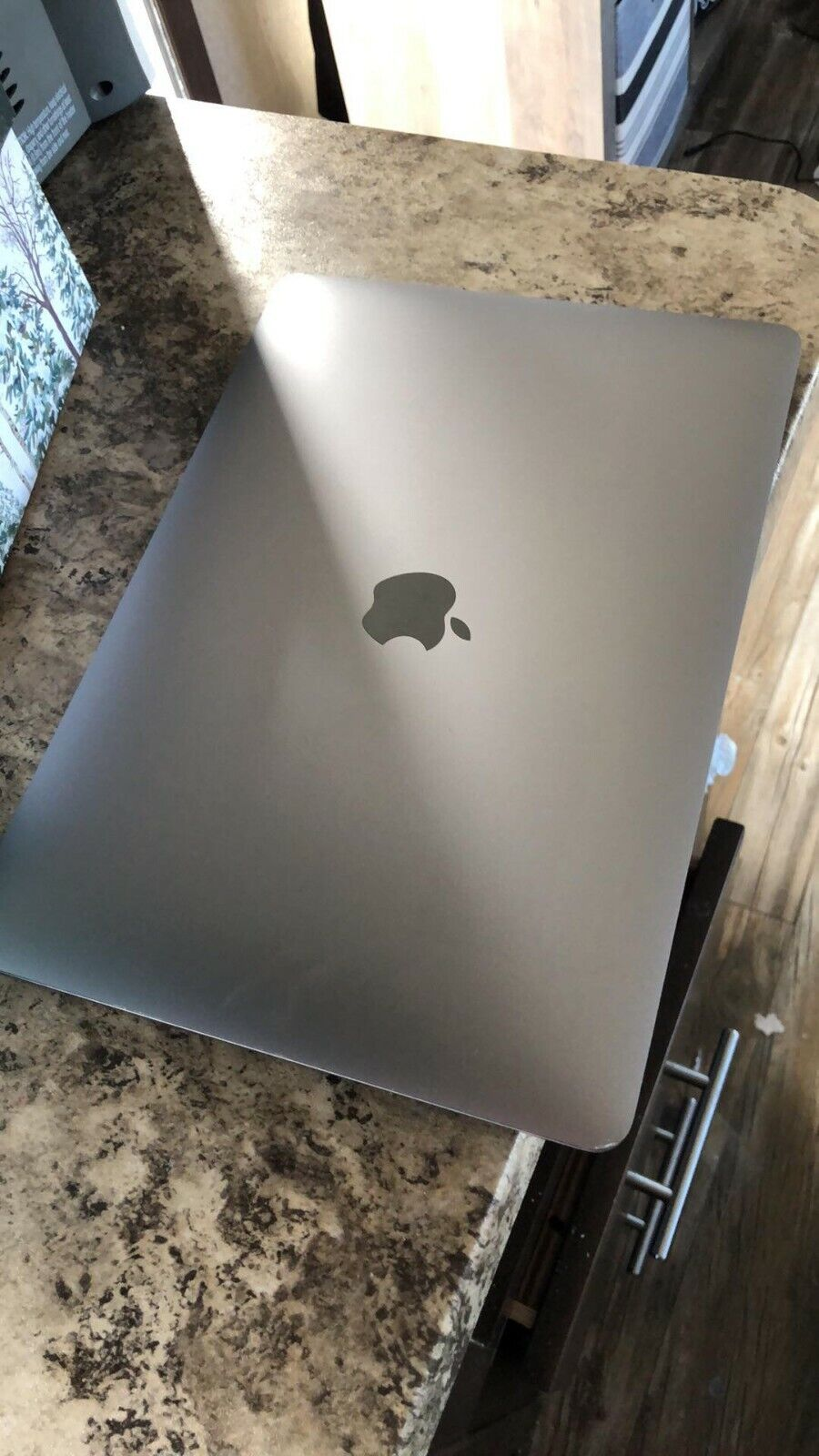 Apple MacBook Air 13 Inch Space Gray 10th Gen i5 256GB Z0YJ0