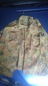 Men's army  shirt size 100s Highland Park Gold Coast City Preview