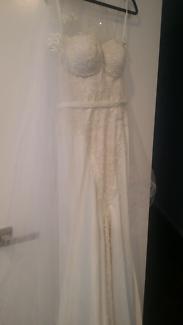 Steven Khalil inspired wedding dress never worn