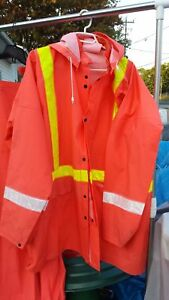 REFLECTIVE ORANGE PLASTIC XXXL RAIN SUIT