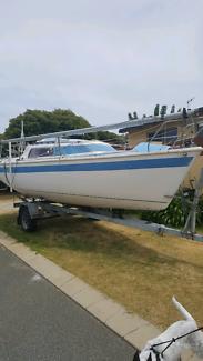 court 650 trailer sailer
