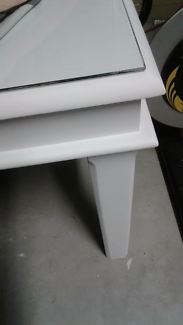 Beautiful as new whitewash dining table