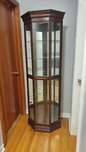 Furniture: 5 Shelf Glass & Wood Corner Curio/Display Cabinet