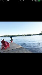 Muskoka cottage on the lakefront! Great summer vacation