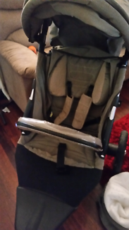 Steelcraft pram jogger style  with bassentte