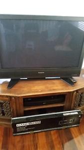 "42"" Panasonic HD Digital Plasma TV including wall mount Taringa Brisbane South West Preview"