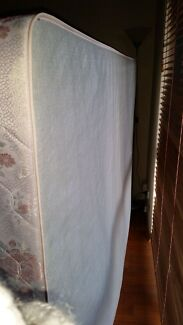 Free Queen size bed base North Fremantle Fremantle Area Preview