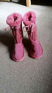 Baby girl's boots. Size 4 Gosnells Gosnells Area Preview