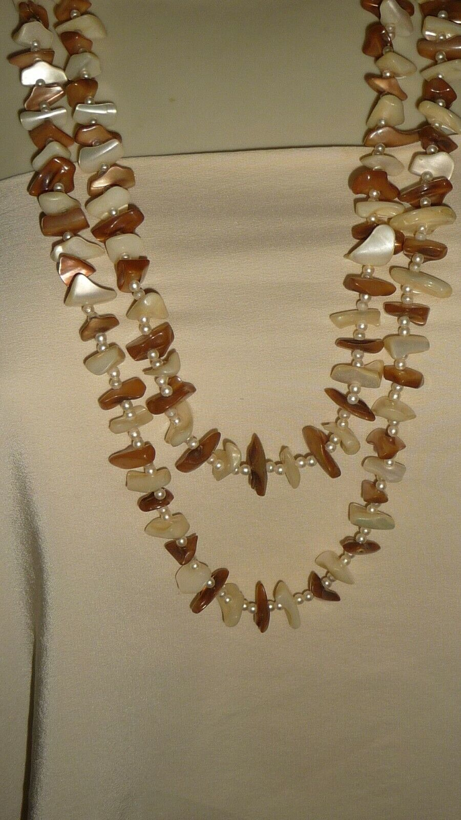 214X Vtg Costume Necklace 30 L MOP CHINKS WHITE BROWN W FAUX PEARLS  - $7.99