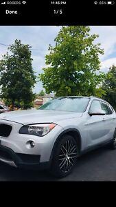 BMW X1 2013 AWD PANO ROOF. BEAMER Suv TWIN TURBO. MINT.