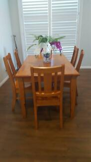 dining table- 6 seater