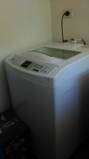 Washing machine like new Marden Norwood Area Preview