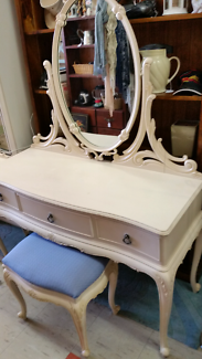 Queen Anne style dressing table with matching stool
