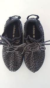 Boys or Girls Size 11 Yeezy's  $10 Highland Park Gold Coast City Preview