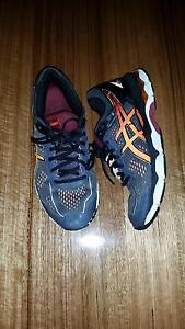 Boys asics size 6 youth Spotswood Hobsons Bay Area Preview