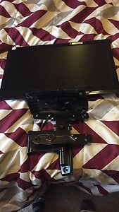 22 inch tv with wall mount and base