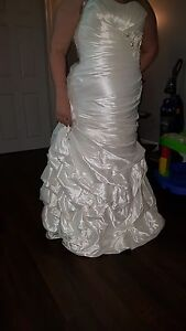 Wedding Dress ***NEW PRICE***MUST GO ASAP***