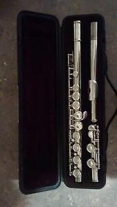 Yamaha YFL221 Student Flute 2 x available priced each Armidale Armidale City Preview