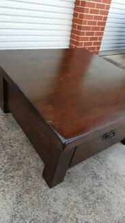 New Solid Timber Coffee Table Dark Stain with Wood Ingrains