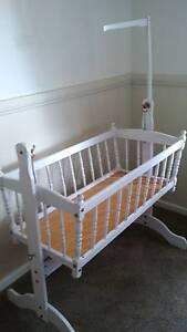 Baby's rocking cradle Molong Cabonne Area Preview
