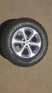 4 X RIMS OFF A D40 NAVARA STX-550 WITH WHEEL NUTS Tamworth Tamworth City Preview