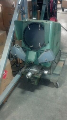 BAUSCH & LOMB 33-12-11 OPTICAL COMPARATOR 10