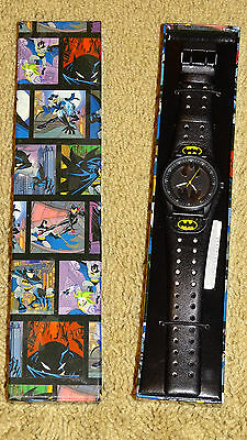 BATMAN Wristwatch  Black Round Face, Faux Leather Band, Animated Box    NEW!