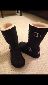 Almost new women's ladies Ugg black  boots size 9 eu 40