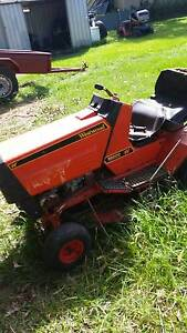 RIDE ON MOWERS  FOR PARTS OR REPAIR FROM $ 10 Munruben Logan Area Preview