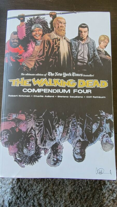 The Walking Dead Compendium Volume 4 by Robert Kirkman (2019, Trade Paperback)