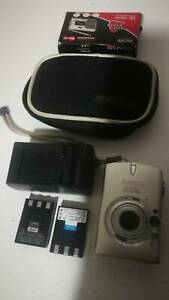 Canon IXUS 750 Digital camera