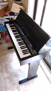 Beginner piano keyboard Wanniassa Tuggeranong Preview