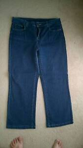 Ladies long jeans, 3/4 pants and shorts Raworth Maitland Area Preview