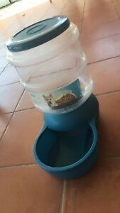 large pet water/food bowl feeder Mermaid Waters Gold Coast City Preview