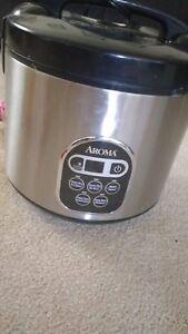 Rice cooker/ veggie steamee