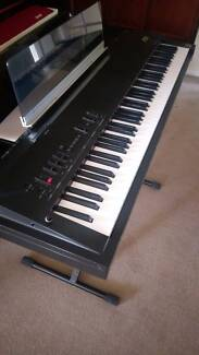 Korg Sampling Grand 88 key SG-1D with case and stand