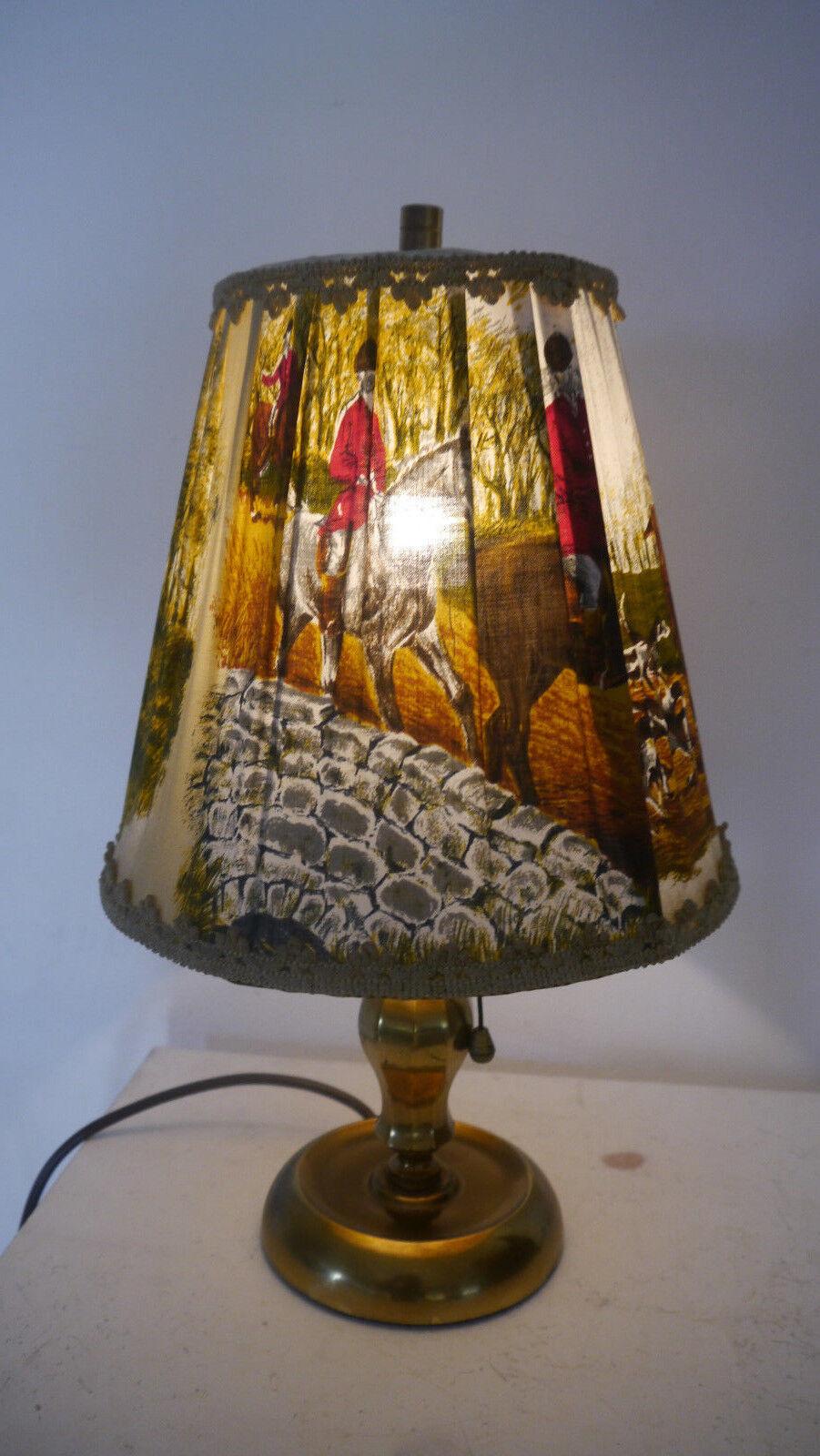 Tischlampe Messing mit Jagdmotiv Lampenschirm - Bakelit Lampenfassung