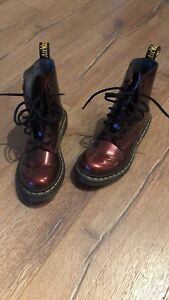 Dr martens size 5 US patent leather boots