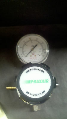 Praxair Regulator Model 2051021-01-580 Id 5022
