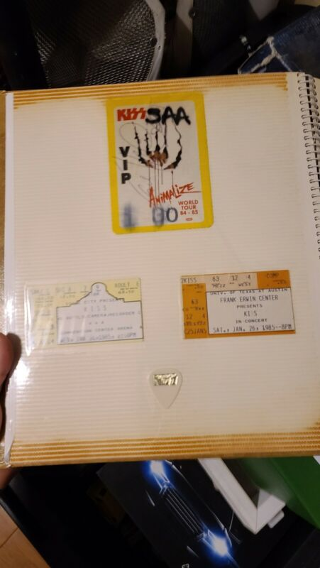 ERIC CARR 1985 Signed VIP Pass KISS