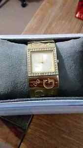 Gold guess watch in new condition Waikiki Rockingham Area Preview