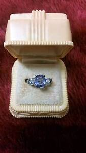 CEYLON SAPPHIRE & DIAMOND DRESS RING Belmont Lake Macquarie Area Preview