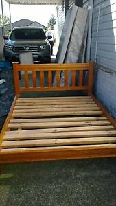 Queen bed and mattress Pagewood Botany Bay Area Preview
