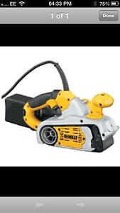DEWALT DW433 240 VOLT VARIABLE BELT SANDER 75MM 800W NEW!