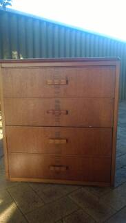 Small set of drawers Waroona Waroona Area Preview